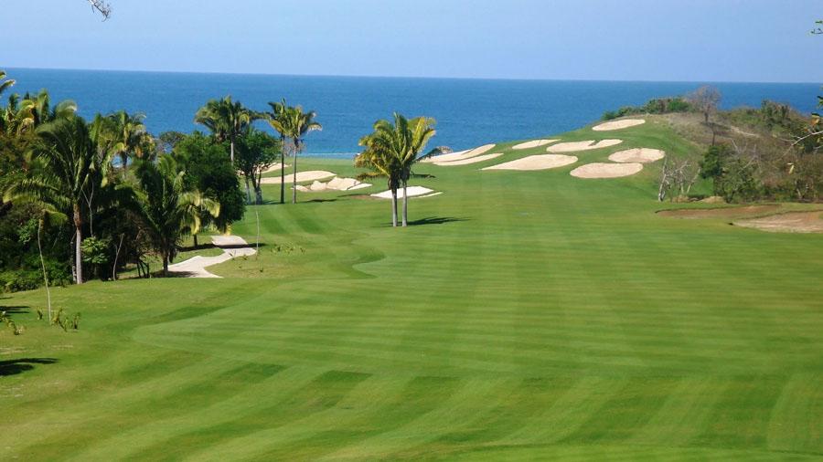 Disfruta del golf en Huatulco Playas en el mundo