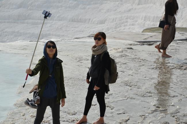¿Se puede llevar un palo selfie en el equipaje de mano? Playas del mundo